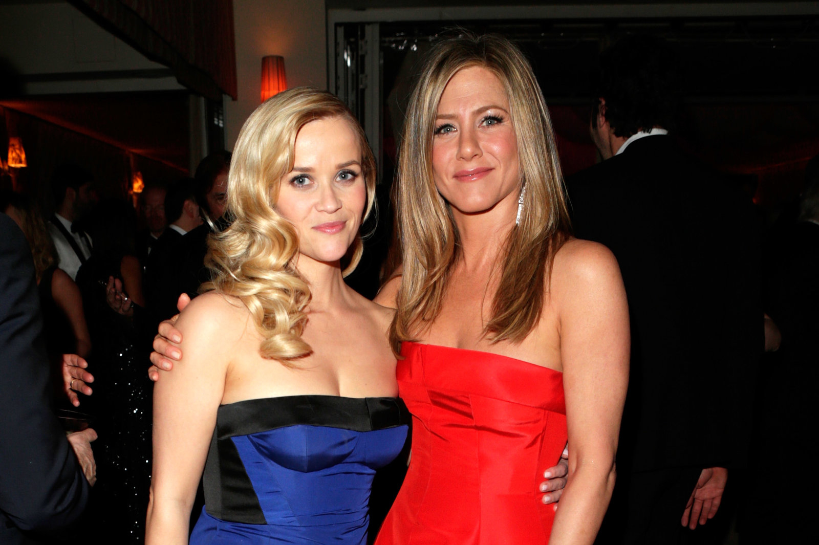 Apple orders Reese Witherspoon and Jennifer Aniston drama in TV push –  Webazinee